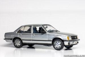 Opel Rekord E1, Limousine