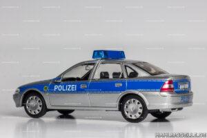 Opel Vectra B, Limousine