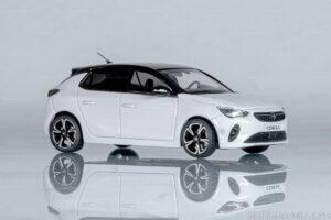 Opel Corsa F, Limousine